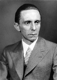 200px-Bundesarchiv_Bild_146-1968-101-20A,_Joseph_Goebbels